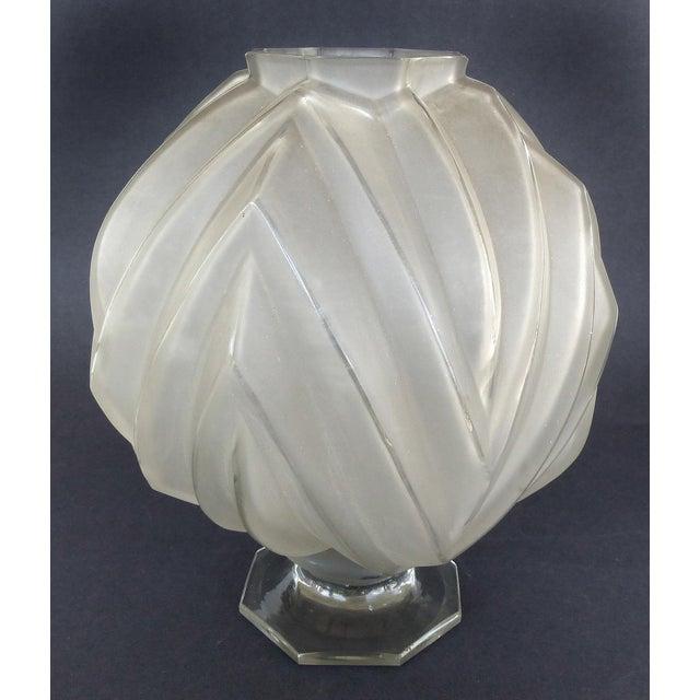 Sabino Art Glass French Art Deco Sabino Art Glass Vase For Sale - Image 4 of 8