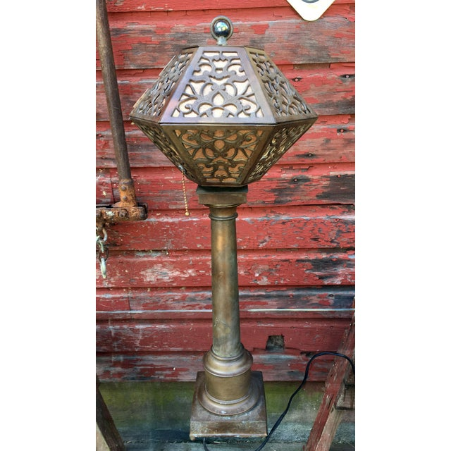 Gold 1920's American Arts & Crafts Movement Bronze Table Lamp For Sale - Image 8 of 9