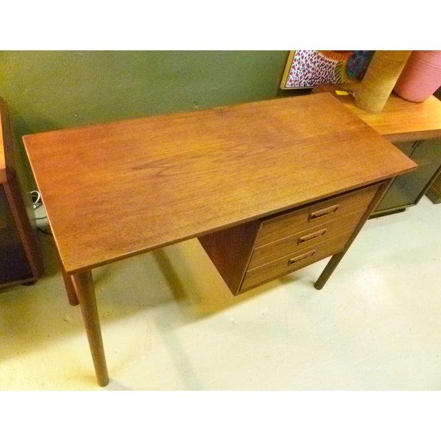 Wood Arne Vodder 1960s Petite Danish Modern Teak Writing Table Desk For Sale - Image 7 of 10