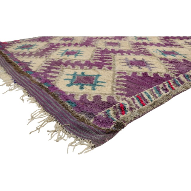 Vintage Berber Purple Moroccan Boujad Beni Mrirt Rug with Postmodern Style. This hand knotted wool vintage purple Beni...