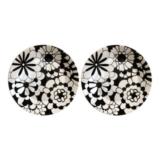 Black and White Missoni Home Bianco Nero Chargers - a Pair For Sale
