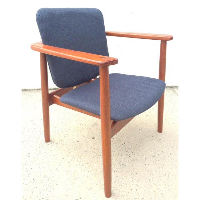A single Lænestol Borge Mogensen lounge/easy chair designed in 1955 model No 165 for Soborg Mobelfabrik, (Søborg Møbler)...