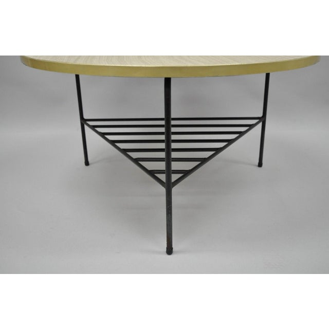 Americana 1950s Mid-Century Modern Paul McCobb Style Wrought Iron Tripod Coffee Table For Sale - Image 3 of 13