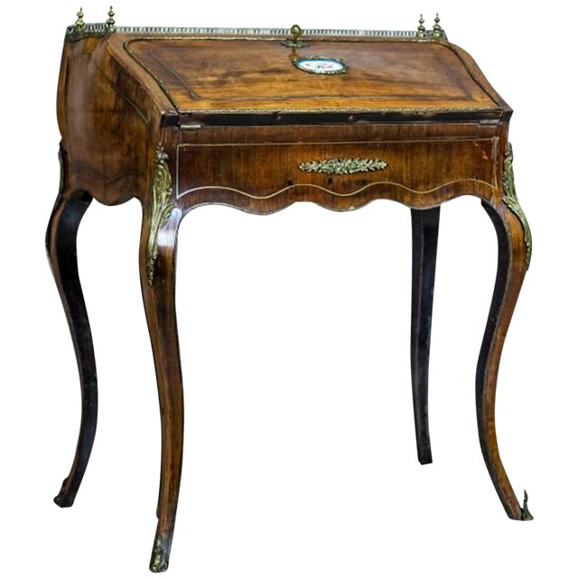 Louis XV Ladies Writing Desk from the 18th Century For Sale