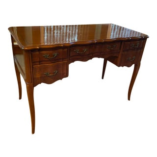 Queen Anne Sligh -Lowry Ladies Desk or Writing Table For Sale