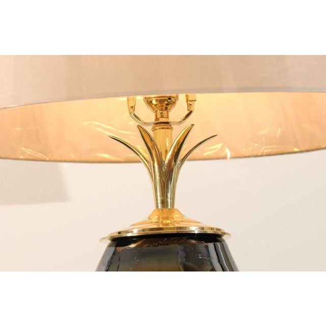 Mesmerizing Pair of Iridescent Blown Glass Lamps with Brass and Lucite Accents For Sale In Atlanta - Image 6 of 11
