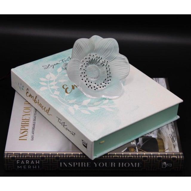 Transparent Cristal Lalique Paris Anemone Flower Paperweight For Sale - Image 8 of 9