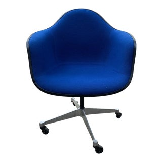 Original Knoll Swivel Chair in Bright Blue For Sale