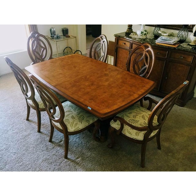 Thomasville Furniture Villa Soleil collection dining table with six chairs, two 20 in leaves, and table pad. Constructed...