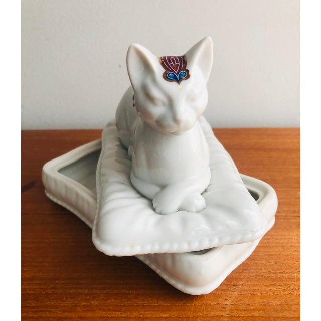 Ceramic Vintage Porcelain Cat Jewelry Box Trinket Catch All For Sale - Image 7 of 10