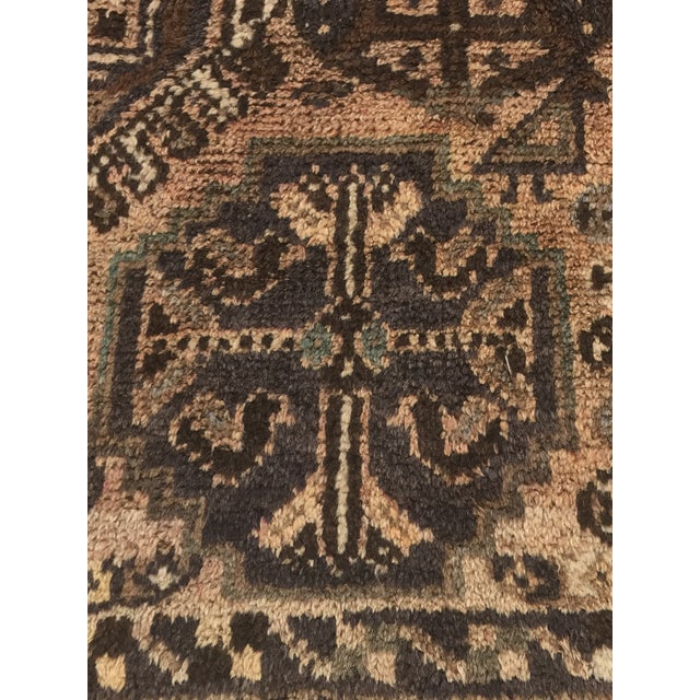 """Vintage Persian Shiraz Area 70-Year-Old Rug - 4'6"""" x 6'3"""" - Image 5 of 10"""