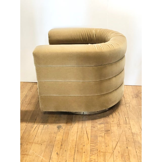 1960s Mid Century Lounge Swivel Chair by Milo Baughman For Sale - Image 5 of 7