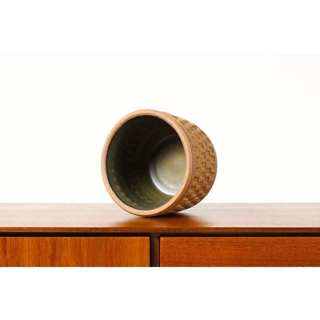 Mid-Century Modern Christian Boehr Ceramic Stoneware Planter — Small Weave Pattern — Raw Exterior | Glazed Interior — P20 For Sale - Image 3 of 6