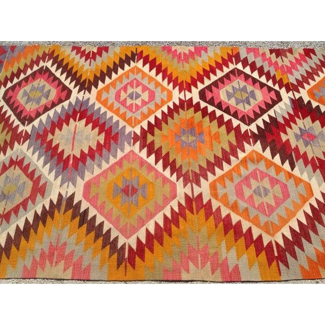 Vintage Turkish Kilim Rug - 5′4″ × 9′ For Sale - Image 5 of 8