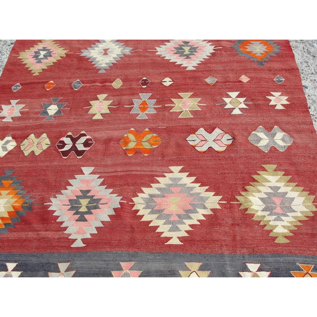 """Vintage Handmade Turkish Kilim Rug - 5'7"""" x 10'5"""" - Image 10 of 11"""