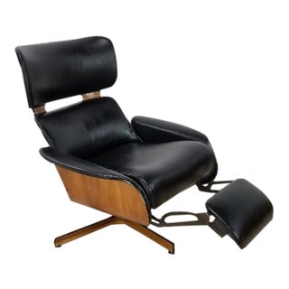 Mid Century Modern Mr. Chair by George Mulhauser for Plycraft For Sale