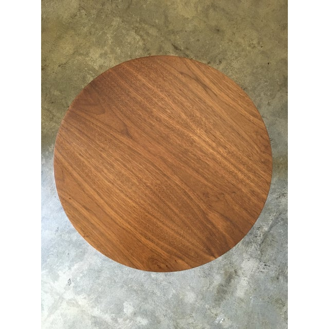1950s 1950s Mid-Century Modern Round Walnut Pedestal Base Side Table For Sale - Image 5 of 7