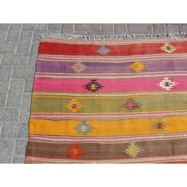 Vintage Turkish Kilim Rug -5′7″ × 7′7″ For Sale - Image 4 of 11
