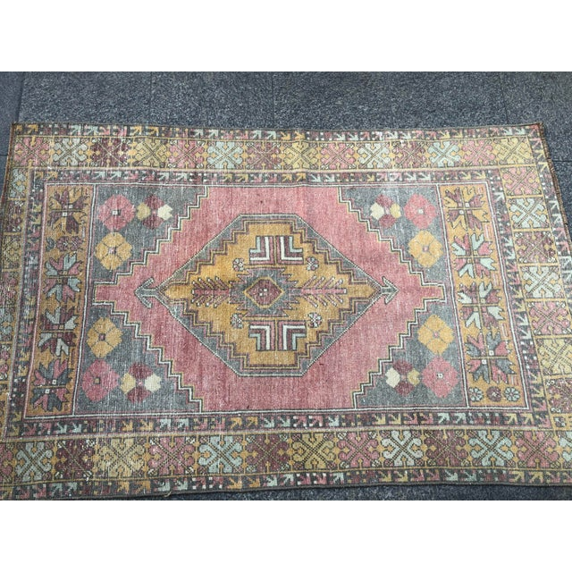 1960s Vintage Nomadic Floral Wool Rug- 3′7″ × 5′7″ For Sale - Image 10 of 11