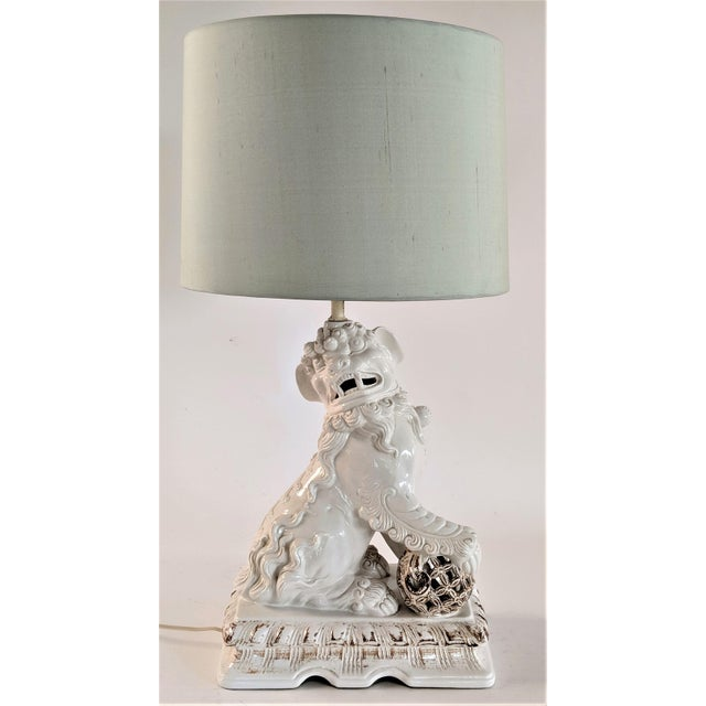 Asian Ceramic Foo Dog Table Lamp For Sale - Image 13 of 13