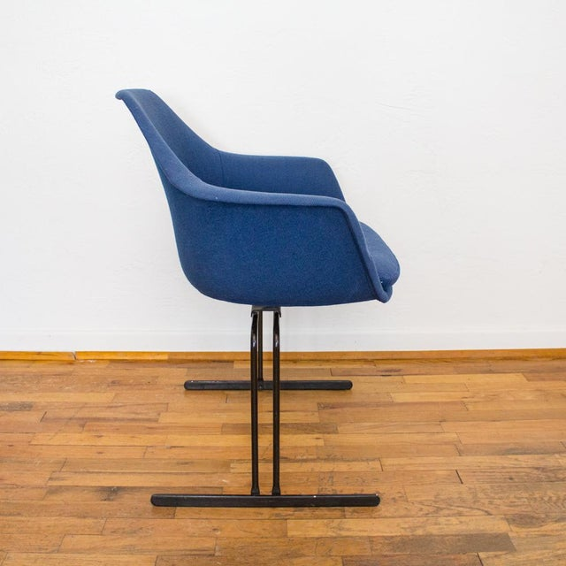 Burke Vecta Chair in Blue Tweed Upholstery, Maurice Burke Fiberglass Shell For Sale - Image 4 of 9