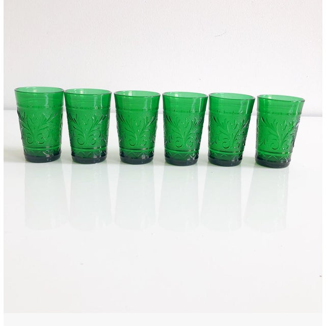 Traditional Set of Six Vintage 1960s Kelly Green Juice Glasses For Sale - Image 3 of 8