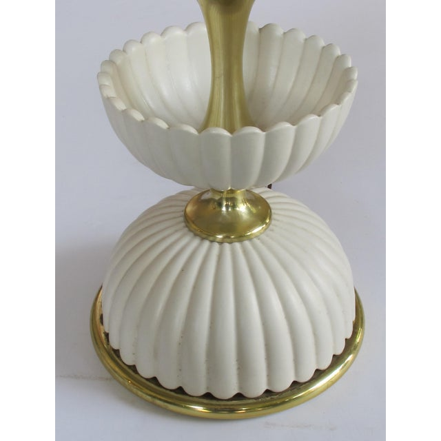 Lightolier A Chic American Mid-Century Ceramic 'Lotus' Lamp by Gerald Thurston for Lightolier For Sale - Image 4 of 5
