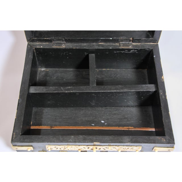 Large Decorative Anglo-Indian Vizagapatam Footed Box For Sale - Image 9 of 13
