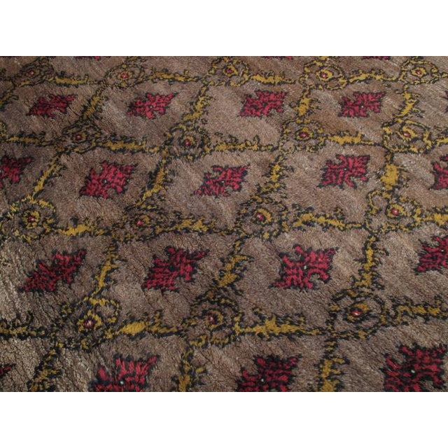 Karapinar Rug with Lattice Design For Sale - Image 4 of 5