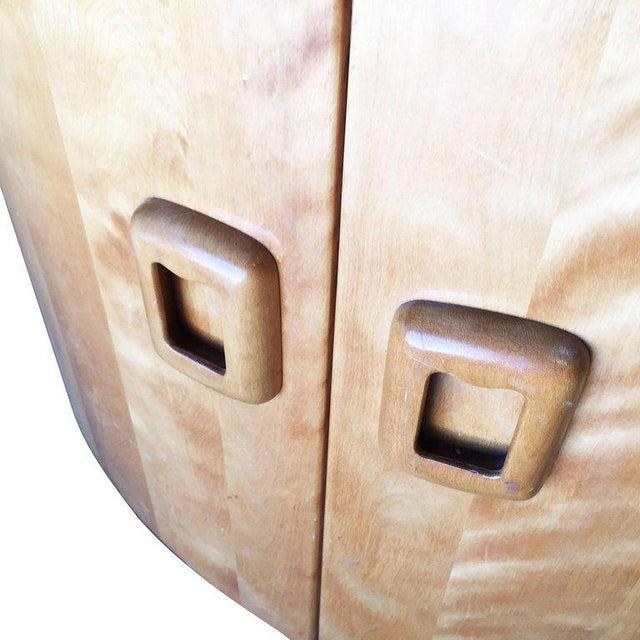 Heywood-Wakefield Blonde Streamline Maple Corner Cupboard Cabinet - Image 6 of 8