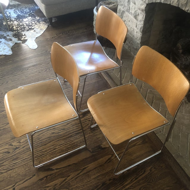 Industrial 1980s Vintage David Rowland Molded Beech Wood Stackable Chairs -Set of 3 For Sale - Image 3 of 13