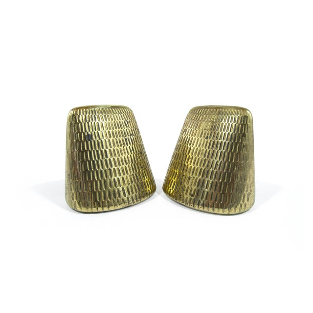 Jenfred Ware Brass Pyramid Bookends by Ben Seibel for Jenfred Ware - a Pair For Sale - Image 4 of 8