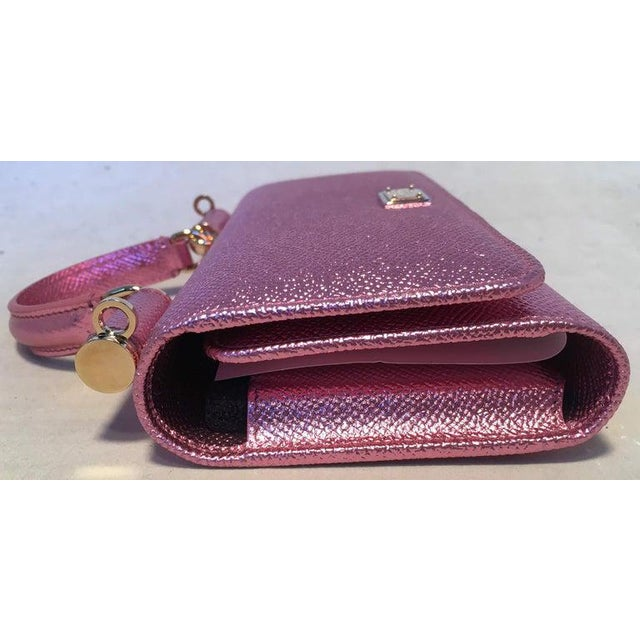 NWOT Dolce and Gabbana Pink Sicily Von Wallet Cell Phone Clutch Purse in excellent condition. pink leather trimmed with...