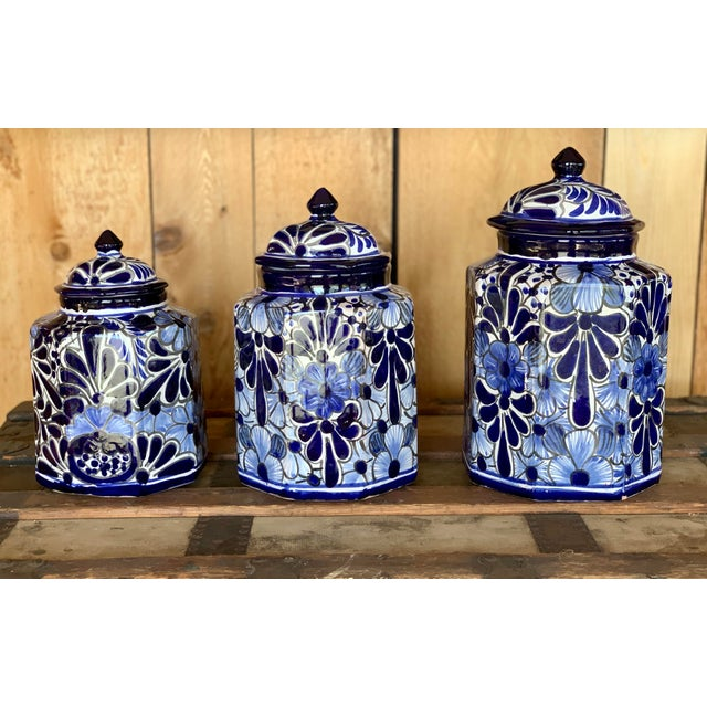Vintage Mexican Hand Painted 'Amora' Talavera Pottery Canister Set With Lids - Set of 3 For Sale - Image 12 of 13