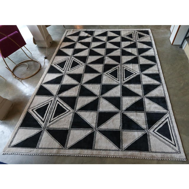 Moroccan Geometric Triangles Wool Rug - 9′ × 12′ For Sale - Image 4 of 11