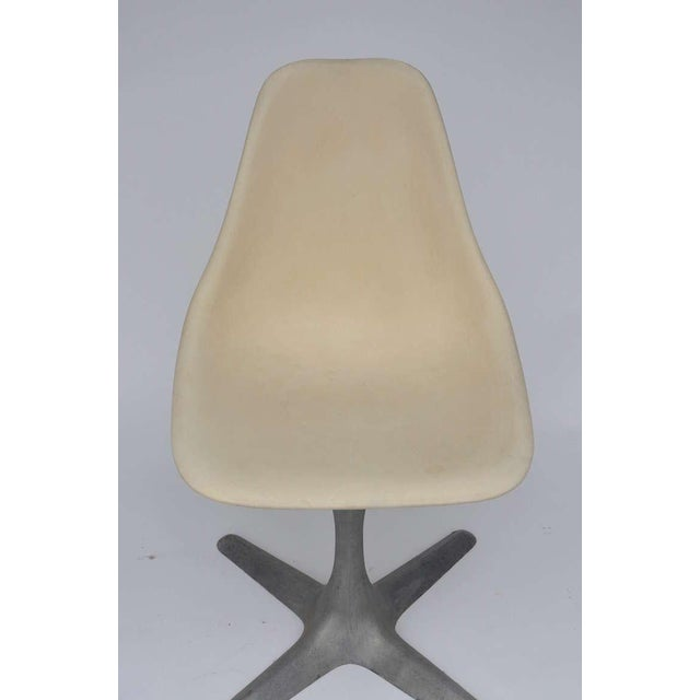 Burke, Inc. Set of 4 American 70's Brushed Aluminum and Eggshell Chairs For Sale - Image 4 of 9