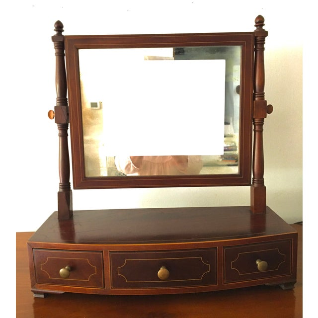 1800-1810 Antique Federal Mahogany Bow Front Dressing Glass For Sale - Image 10 of 11