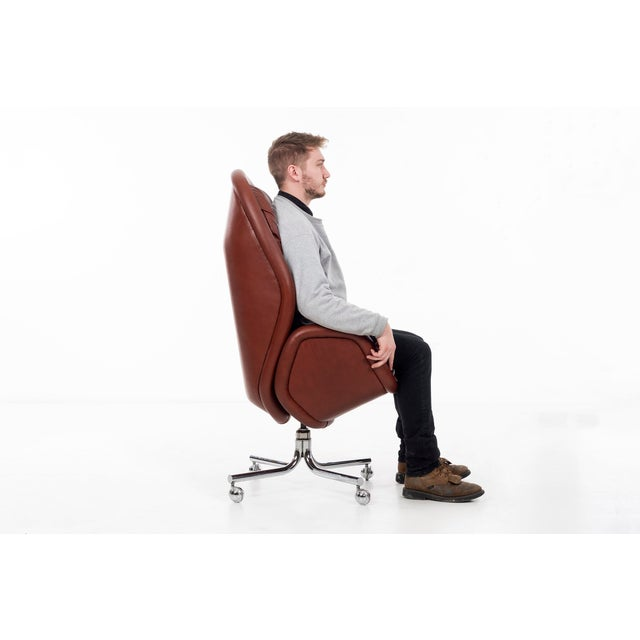 DoMore Executive Desk Chair For Sale In Los Angeles - Image 6 of 12