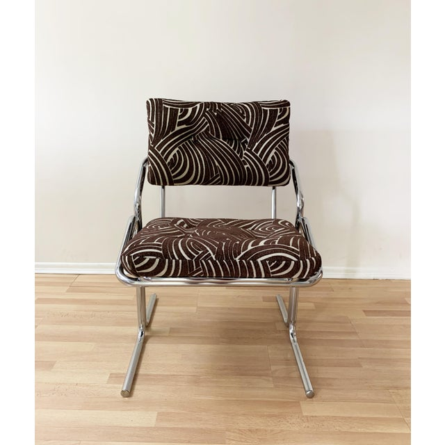 Mid-Century Modern Jerry Johnson Style Upholstered Accent Chair For Sale - Image 3 of 9