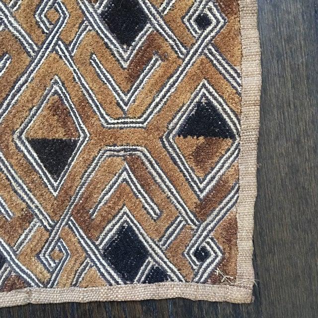"Tan Vintage Kuba Textile - 1'9"" x 1'7"" For Sale - Image 8 of 11"