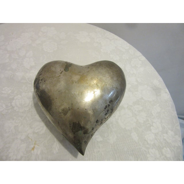 1970s 1970s Mid Century Modern Brass Molded Heart For Sale - Image 5 of 5