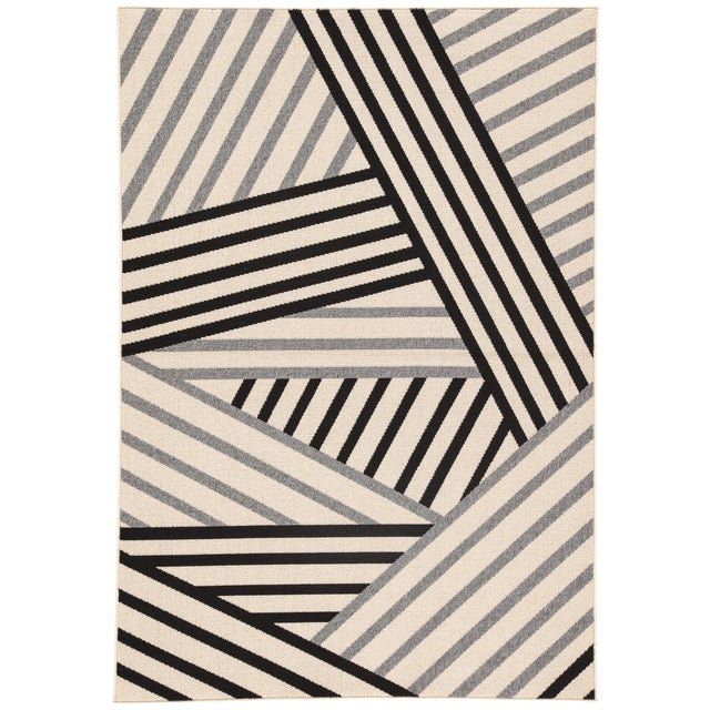 Jaipur Living Begley Indoor/ Outdoor Geometric Black/ Gray Area Rug - 2′ × 3′7″ For Sale