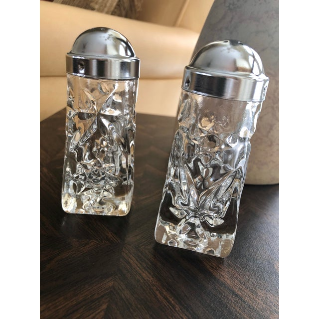 Early American Prescut Eapc Salt & Pepper Shaker Set by Anchor Hocking - a Pair For Sale - Image 11 of 13