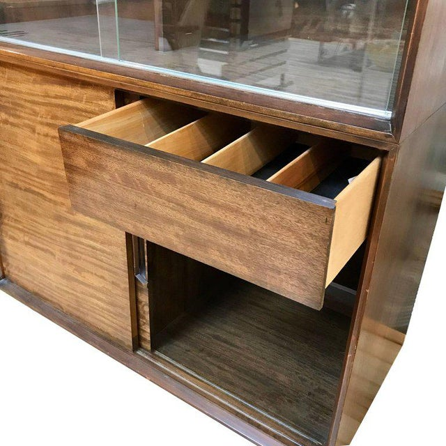Metal 1950s Mid-Century Modern Milo Baughman for Drexel Perspective Mindoro Wood China Hutch For Sale - Image 7 of 12