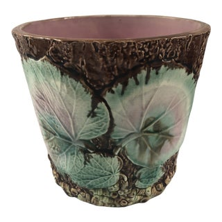 Early 20th Century English Majolica Begonia Leaf Cachepot For Sale