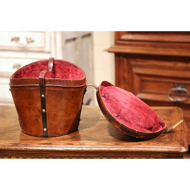 Mid-19th Century French Oval Pigskin Leather Top Hat Box From Paris For Sale In Dallas - Image 6 of 11