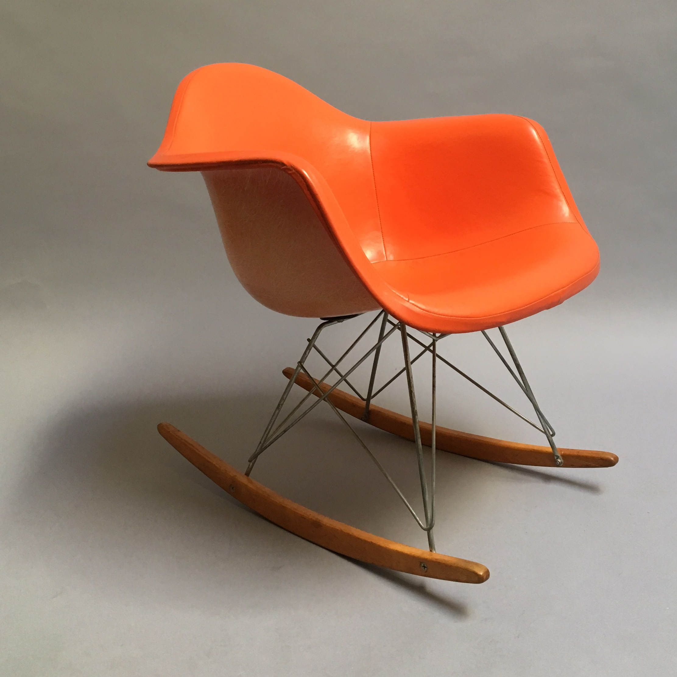 Beau Original Vintage Eames Rocking Chair Produced By Herman Miller. This Is A  Great Example Of