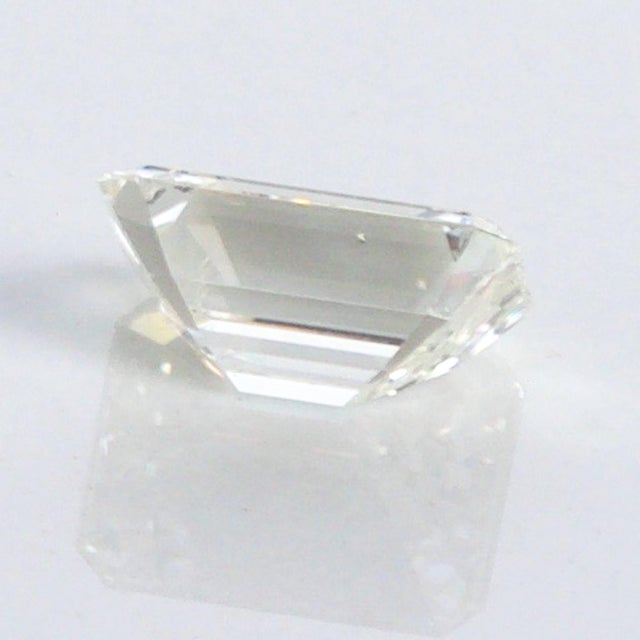 Gemstone Stunning Emerald Cut Diamond Stone 4.08 Carat, Gia Certified Report For Sale - Image 7 of 9