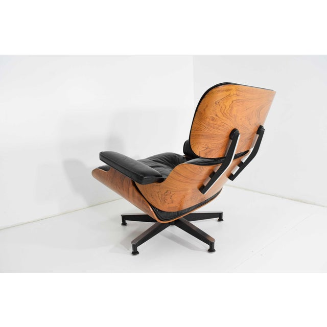 1960s Eames 670 Lounge Chair & 671 Ottoman in Rosewood by Herman Miller For Sale - Image 5 of 10