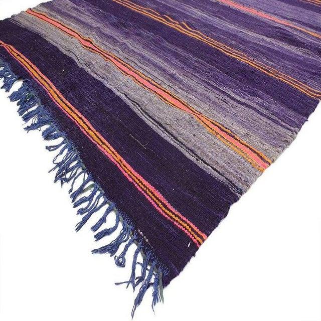 20541 vintage Berber Moroccan Kilim rug with tribal boho chic style, flat-weave Kilim. This vintage Berber Moroccan Kilim...
